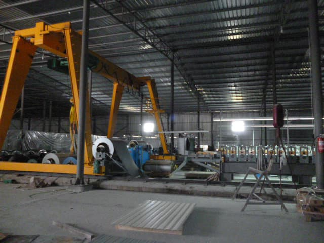 Ukraine low headroom single girder gantry crane